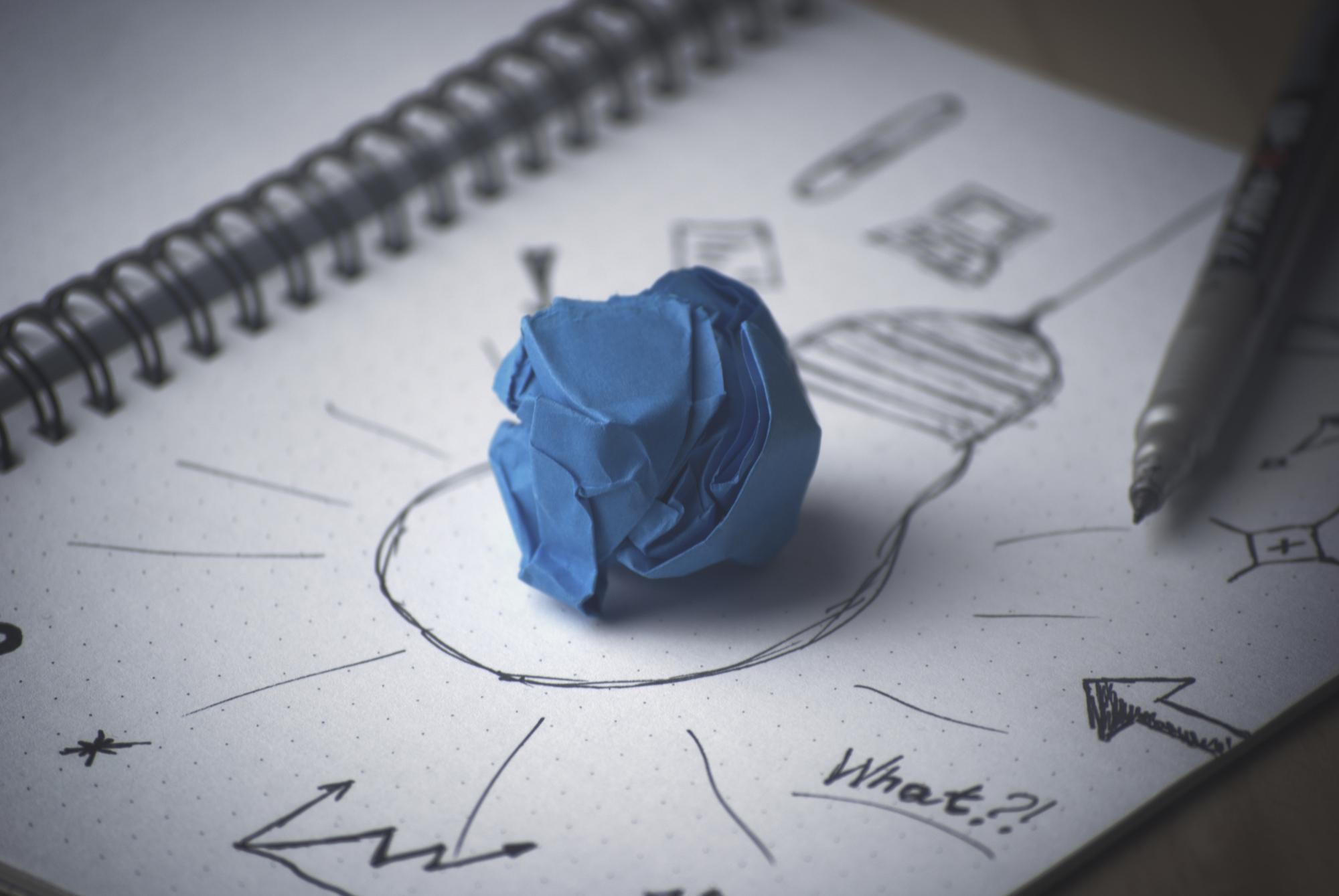 pen-idea-bulb-pape